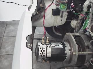 e64b2cd2df0 Assim adquiri um motor elétrico mais potente de 72Volts e pesando apenas  23Kg com 10HP contínuos e 30HP de pico.